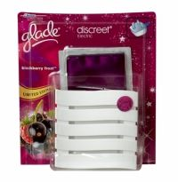 Glade Discreet Complete Plug In Air Freshener Blackberry Frost With a Sleek profile, Glade Discreet is an electric air freshener with a discreet, contemporary design that offers long lasting, continuous freshness. With its sleek profile it sits tightly against the wall when it's plugged in and blends into your home décor.
