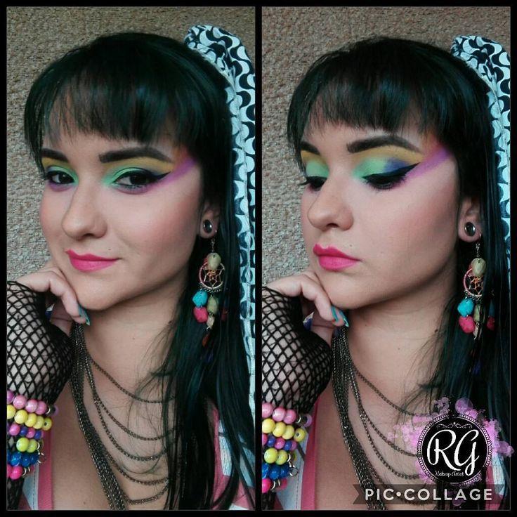 Acá les traigo mi propuesta para el #guapachallenge de la guapísima @guapas4ever #guapas4ever  El maquillaje de los años 80 era exagerado, atrevido, muy colorido... pero sobre todo, era un maquillaje divertido, en una época en la que todo valía, el maquillaje no podía ser una excepción!!! #80' #makeup #instamakeup  #cosmetics #fashion #eyeshadow #lipstick #gloss #mascara #palettes #eyeliner #lip #lips #concealer #foundation #makeupforbarbies #eyes #eyebrows #lashes #lash #glitter #crease…