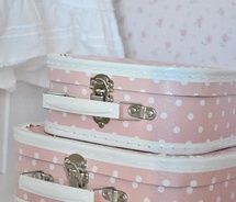 love these!: Dots Suitca, Pink Polka Dots, Things Pink, Vintage Suitcases, Pink Suitca, Polkadot, Girls Trips, Suitcases Storage, Dots Cases