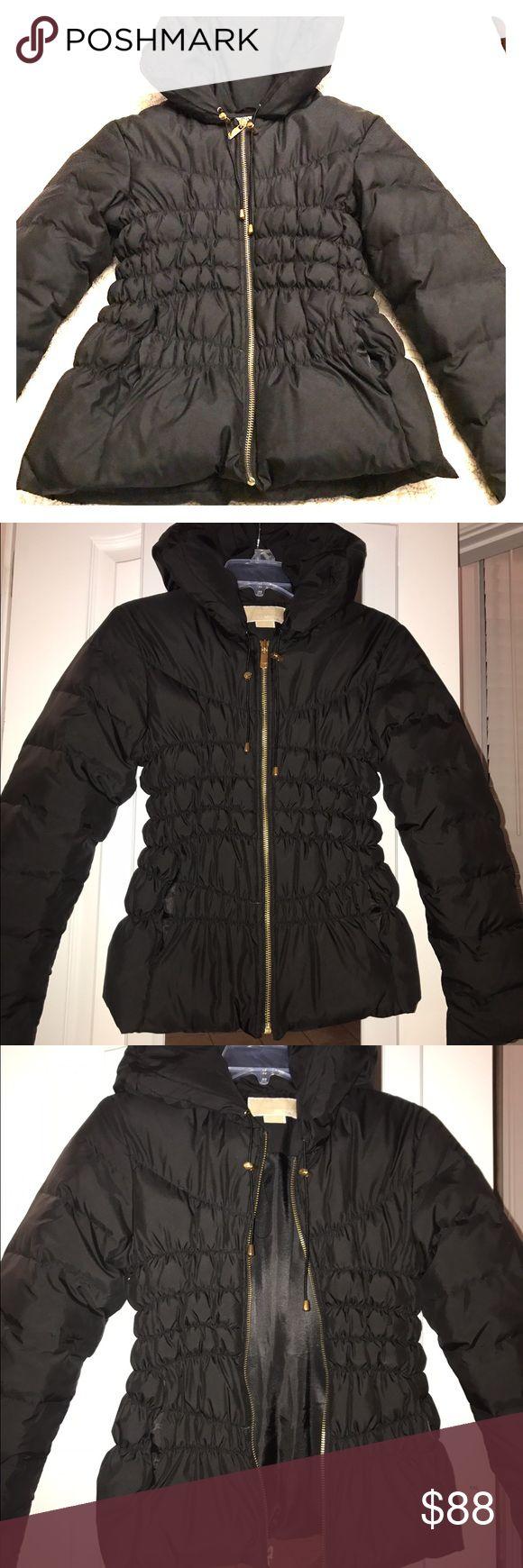 MK puffed jacket Michael Kors Hooded Packable Down Puffer Coat !! Like new condition!!😍😘 MICHAEL Michael Kors Jackets & Coats Puffers