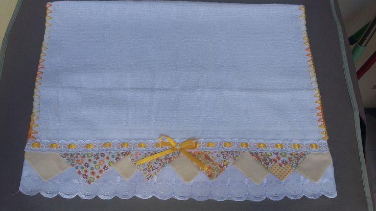 Pano de copa com barrado em tecido