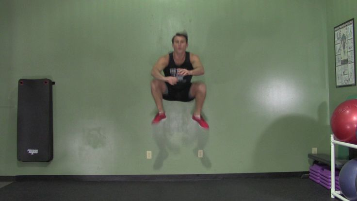 Wondering how to jump higher? HASfit's jump training workout is a scientifically based plyometric routine for both male and female athletes. The only equipment needed for these jumping exercises is a box or bench.