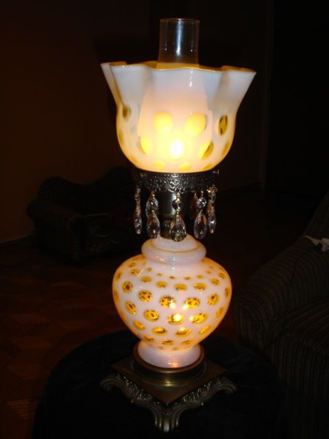 fenton honeysuckle coin dot opalescent gwtw lamp coins lamps and dots. Black Bedroom Furniture Sets. Home Design Ideas