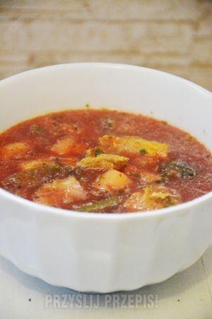 Jesienna zupa wielowarzywna a'la barszcz ukraiński - przyslijprzepis.pl