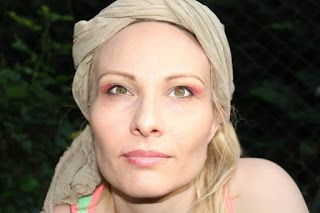 Nikoli Makeup: Make-up