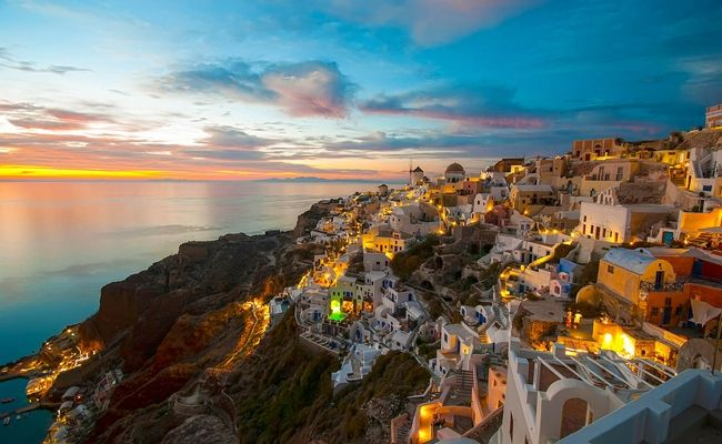Santorini Sets Up Destination Management Body to Ensure Viability