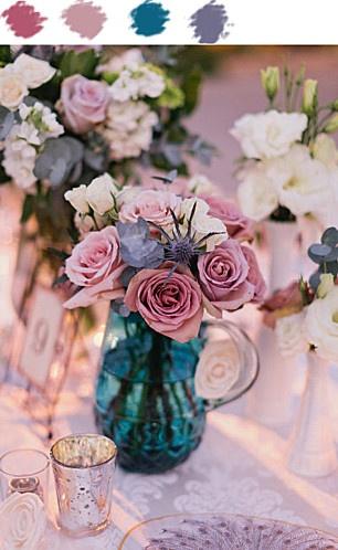 Roses poudrés, bleu canard et violet - A. in Weddingland