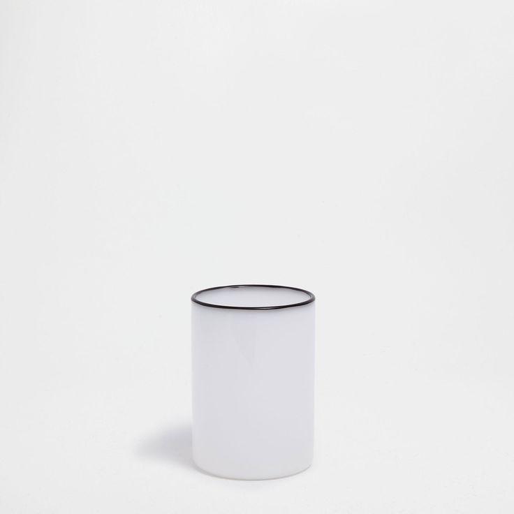 Image 2 of the product Borosilicate tumbler with black rim