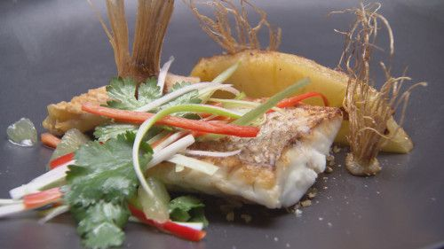 Snapper with Roasted Pineapple and Praline http://masterchefrecipe.net/snapper-with-roasted-pineapple-and-praline/
