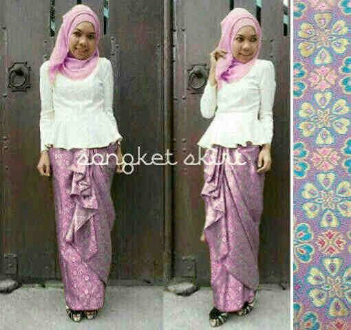 Miss songket @99rb Seri 2pcs, bhn peplum+pashmina jersey sutra+rok batik songket, high quality Fit big L, close PO 14 agustus, brg ready akhir september Order by BB : 27B24069 CALL : 081234284739 SMS : 082245025275 WA : 08813225767 FB : Vanice Cloething Twitter : @VaniceCloething Instagram : Vanice Cloe