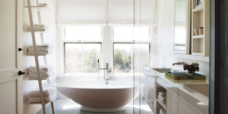 20 Best Examples Of Stylish Bathroom Storage http://www.elledecor.com/design-decorate/room-ideas/advice/g2591/bathroom-smart-storage-ideas/