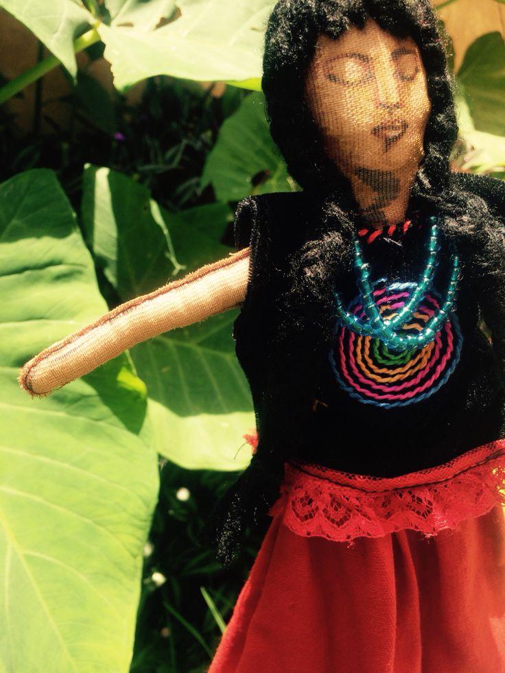 "Arte textil ""más palabra"" #maspalabra #ceciliadakini #artetextil #CIDECI"