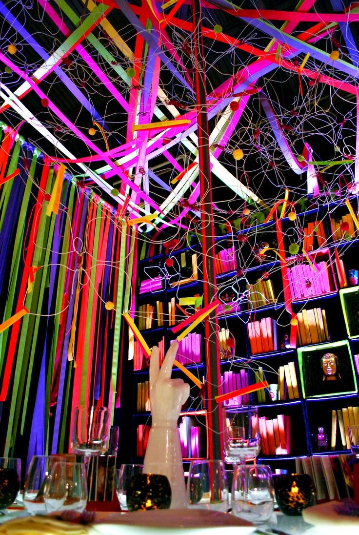 Party Trend Alert! Neon Color Party Ideas