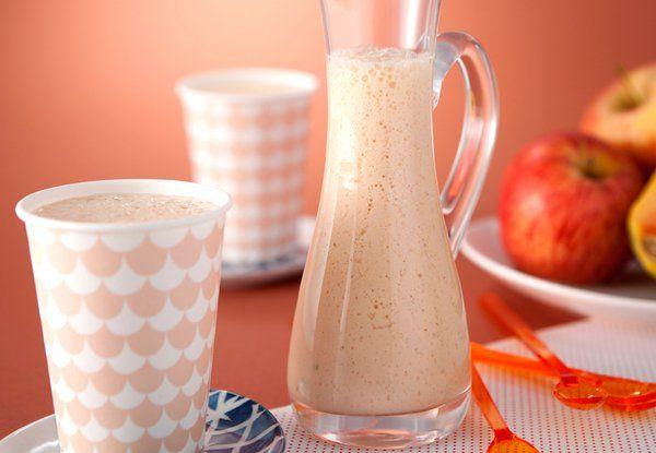A vitamina de mamão, laranja e maçã é perfeita para um pré-treino. Venham aprender!