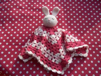 Deze gaat 'in de maak' voor Laura.... Marmarel: Nederlandse vertaling baby-knuffeldoekjes Brittas-Ami