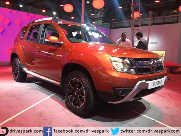 Facelifted Duster Looks To Blind Rivals With New Lights And AMT Gearbox   #AutoExpo2016 #Renault