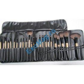 Trusa 24 pensule par natural Bobbi Brown - http://exomag.ro/pensule-machiaj-profesionale-makeup/trusa-24-pensule-profesionale-bobbi-brown-din-par-natural-hq.html