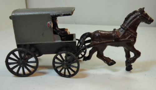 Cast-Iron-Amish-Man-in-Covered-Buggy-with-Lights-and-Horse-Vintage-70s