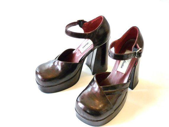 Chaussures plateforme vintage 1970. Vernis par OhInTheShop sur Etsy