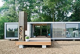 Prefab recreatiewoningen You could make it with shipping containers.