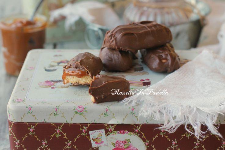Barrette di frolla con caramello e cioccolato