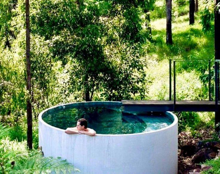 Pool tub, outdoors, neutral