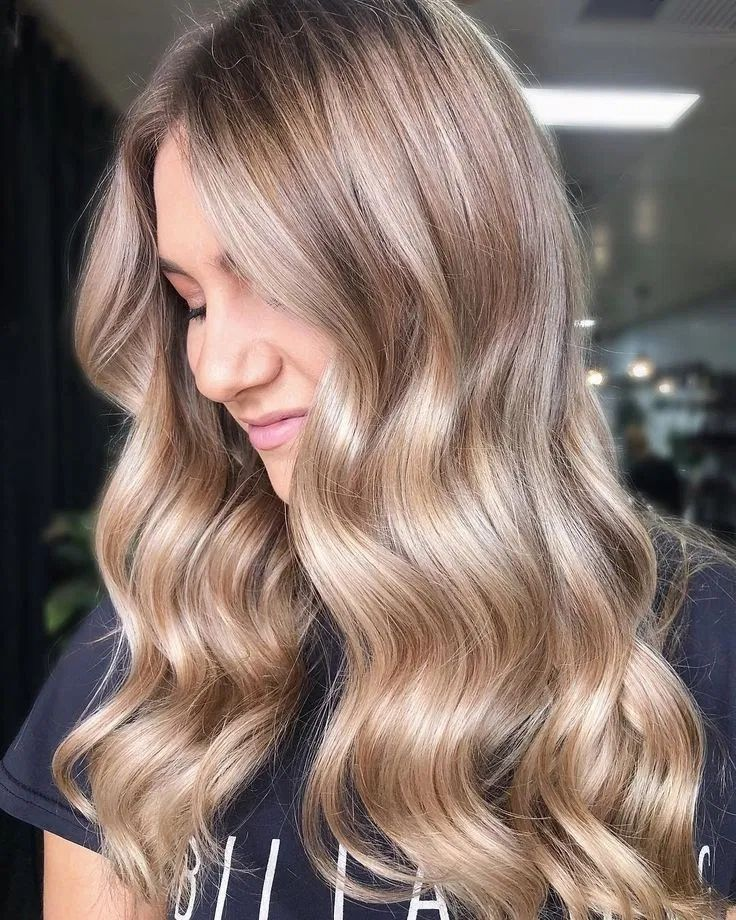 64 Medium Length Hair With Layers Trendy 2020 . #mediumhair #lengthhair #hairwithlayers #trendyhair #hairstyleideas — hariipunk.com