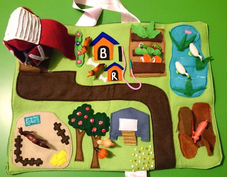 Like all the accessories such as the veggies that fit into pockets and the felt barn. Phanie Fashions: Fashions and crafts made by Phanie: Farmyard Felt Play Mat