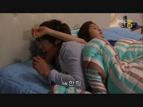 Playful Kiss-Funny bed scene published by Shineelover712 on 2011.02.19/time 1:15 / view 1.1M(2015.04.18)