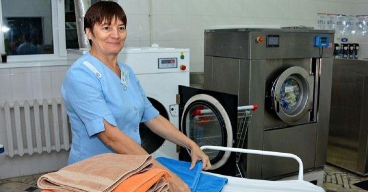 Что делать с полинявшей одеждой, рассказала работница прачечной / Как сэкономить
