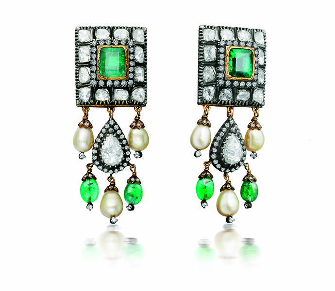 Earrings with Victorian emerald choker
