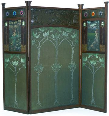 A three panel Arts and Crafts oak screen, circa 1900 - Liberty Arts & Crafts Design