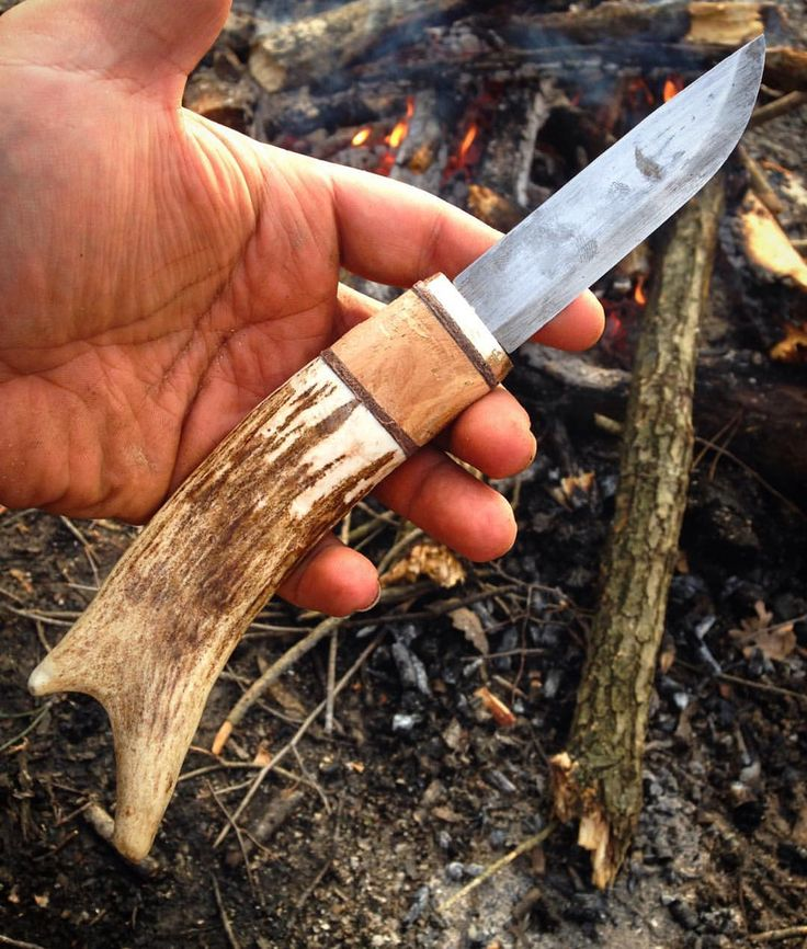Mora robust pro  handle replacement with antler, birch and leather….   Geyik boynuzu ucu, huş ağacı, deri ve prinçten doğal bir sap… @morakniv  #bushcraft #wildcamping #camping #nature #instalike #camp #instanature #Morakniv #outdoors #adventure #hiking #forest #modernoutdoorsman #wood #liveauthentic #mothernature  #naturelover #ig_turkey #backpacking  #nature_seekers #wilderness #getoutside #rei1440project #survival #wildernessculture #campvibes #neverstopexploring #menofoutdo...