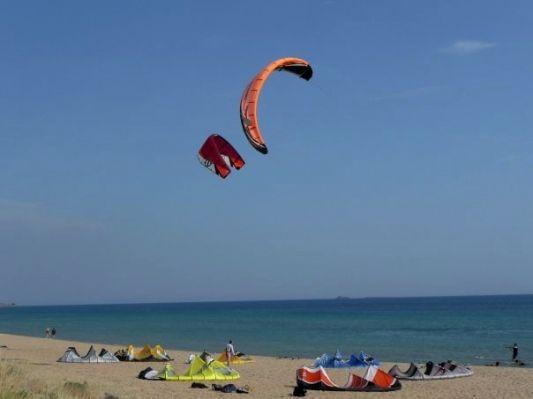 Παραλία Χαλικούνα: ο επίγειος παράδεισος για Kite Surf στην Κέρκυρα