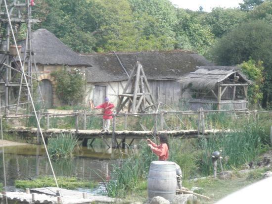 Le Puy du Fou : village des vikings