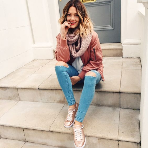 Metallics are predicted to be among some of the biggest trends for 2017 – but even if they wouldn't, it would be hard to ignore the appeal of gold shoes. Metallic gold shoes have a fun, glamorous vibe to them, and can easily become the statement piece of an outfit. There are gold heels, which seem super fancy and stylish; gold sneakers, which look more put together and dressed up instead of gym-ready; and gold Oxfords and flats, both of which elevate casual styles from boring to more unique.
