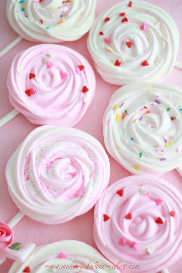 Meringue Pops - fun dessert for Christmas. Kids would love these...especially peppermint flavor.