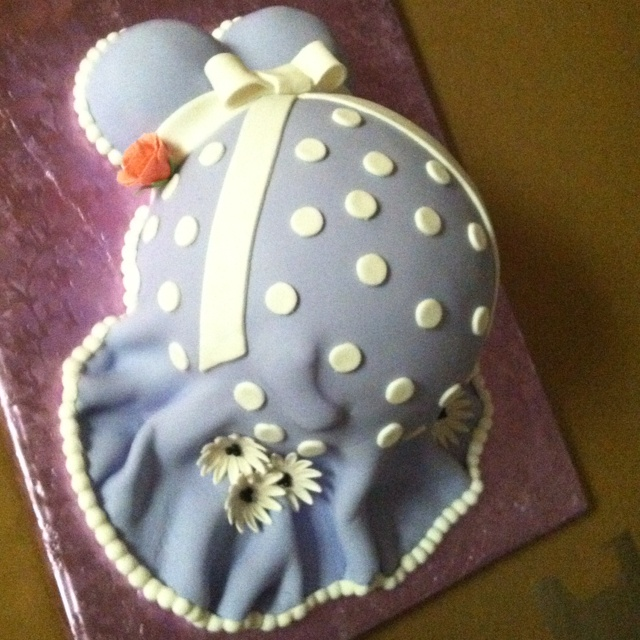 Pregnant belly baby shower cake