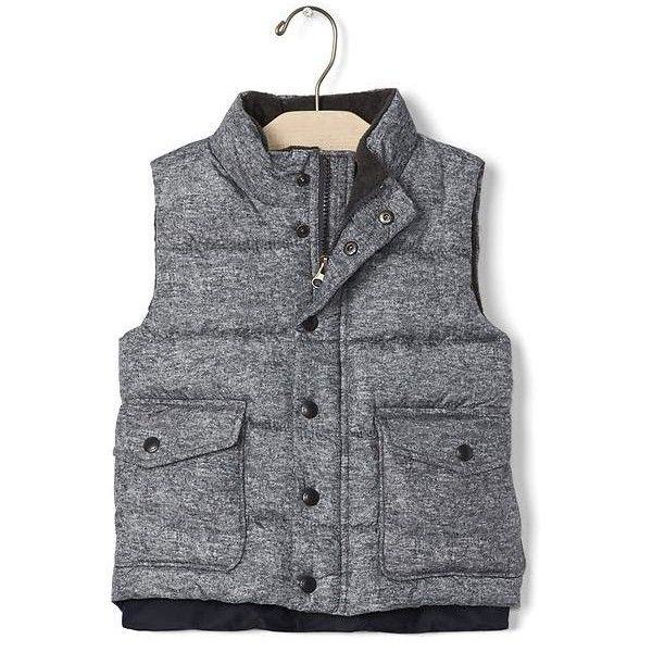 Gap Coldcontrol Max Puffer Vest ($58) ❤ liked on Polyvore featuring outerwear, vests, regular, sparkle heather gray, fleece lined vest, holiday vest, puffy vests, quilted puffy vest and lightweight quilted vest