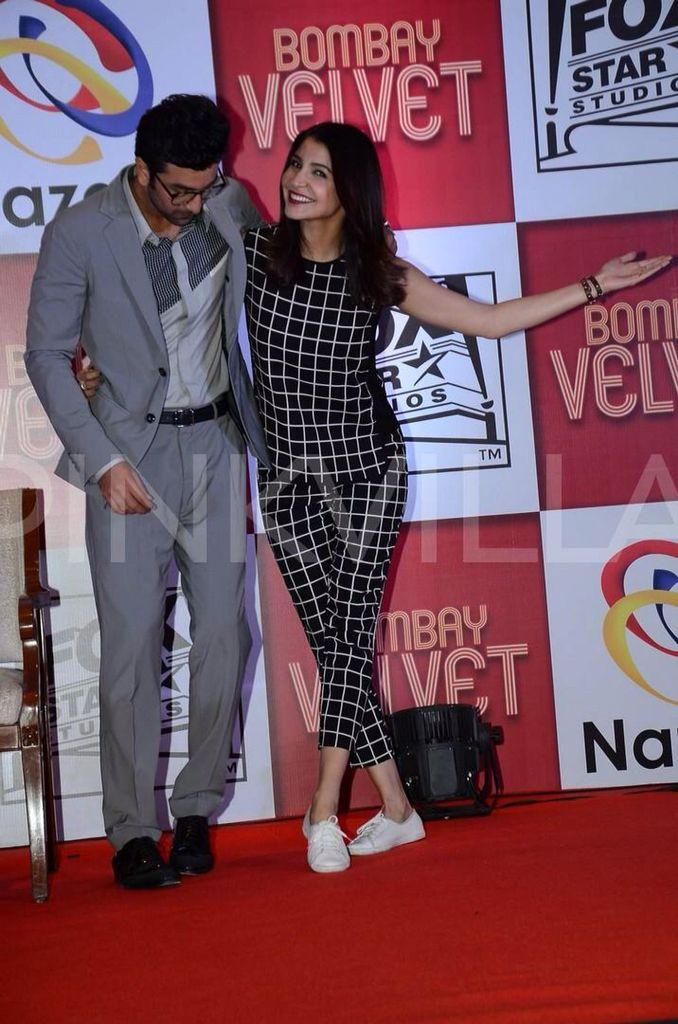 Ranbir-Anushka launch Bombay Velvet game!