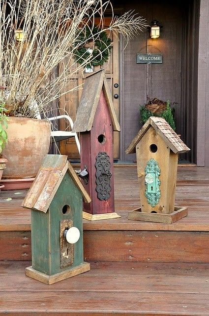 cute bird houses with knobs and door pieces: Doors Hardware, The Doors, Doors Handles, Birds Of Paradis, Birds Houses, Old Doors Knobs, Birdhouses Wooden, Bird Houses, Rustic Birdhouses