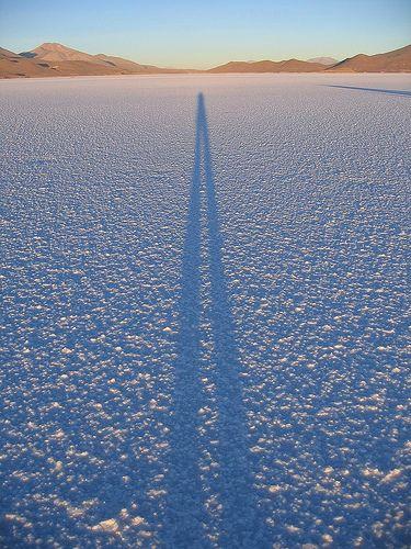 Shadow_on_salar_de_uyuni.jpg (375×500)