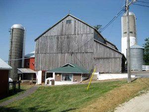 St. Jacobs Horse Drawn Tours - Mennonite Farm Tours