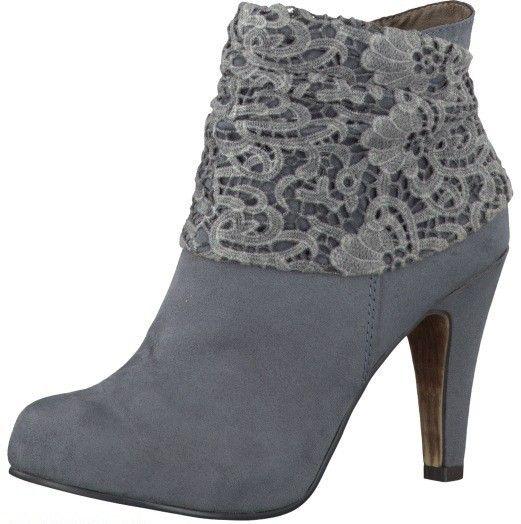 Dit gave korte laarsje is van Tamaris, in de kleur grijs/blauw met een heel vrouwelijk hak. - Sluimer schoenen