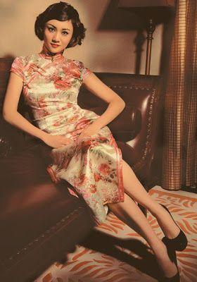 世界 Sekai : Qipao(Mandarin) 旗袍/ Chenogsam/Mandarin Gown