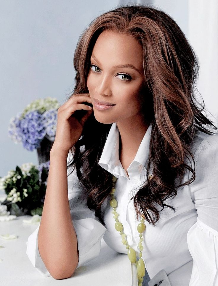 I would love to work with Tyra Banks, she is such an amazing women and she is also branching out being a photographer! I would love to style a photo shoot where she is the photographer!