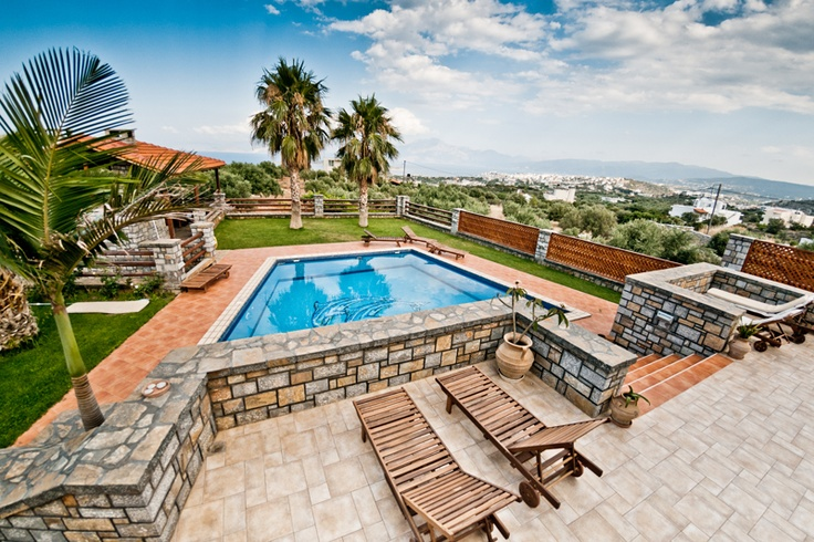 Luxury 4 bedroom villa in Agios Nikolaos, Crete. http://www.vacationshouse.com/vacation-rentals/p14243