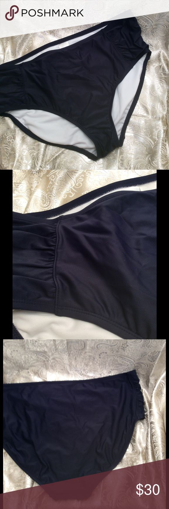 Ava & Viv navy blue full bikini brief nwot plus Ava & Viv women's plus size bikini bottom with side rouching. Navy blue, full coverage bottom. New without tags. Size 20/22. ** coordinating pieces in separate listing Ava & Viv Swim Bikinis