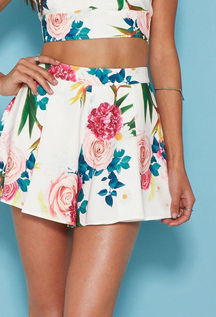 Tiger Mist Floral Shorts | Forever 21