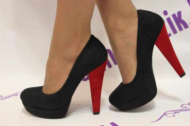Туфли с большим каблуком и платформой